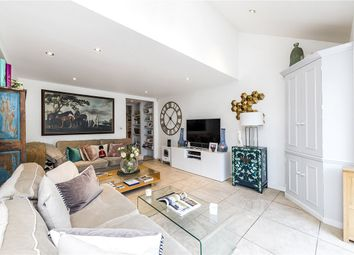 Thumbnail 3 bedroom flat to rent in Henderson Road, London