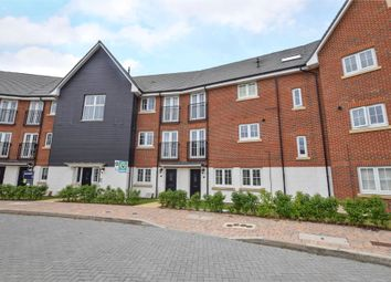 Thumbnail 2 bed flat to rent in Fulmar Crescent, Bracknell, Berkshire