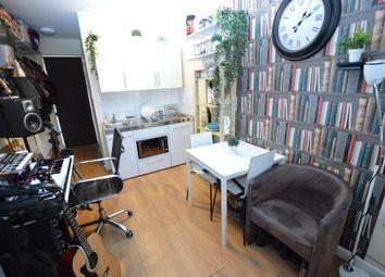Thumbnail Studio to rent in Sherwood Avenue, London