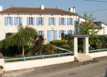 Thumbnail 3 bed country house for sale in Le Fouilloux, Montguyon, Jonzac, Charente-Maritime, Poitou-Charentes, France