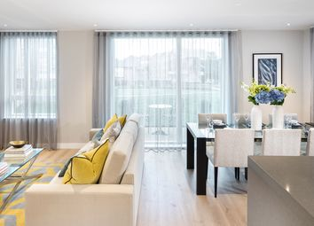 Thumbnail 2 bed flat for sale in Kew Bridge Road, Brentford, London