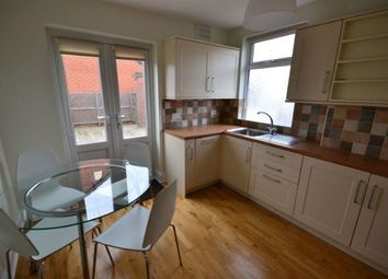 Thumbnail 1 bed flat to rent in Lytham Road, Clarendon Park, Leicester