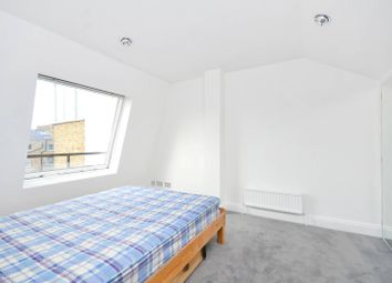 2 bed maisonette to rent in Gloucester Terrace, Bayswater W2