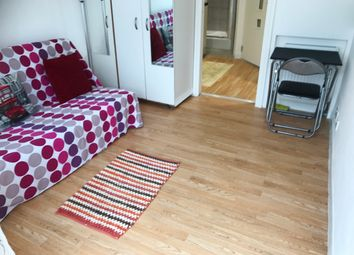 Thumbnail Studio to rent in Arnold Rd, London