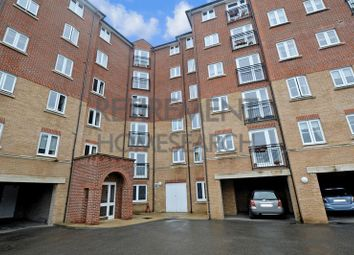 Thumbnail 2 bed flat for sale in Holmes Court, Tonbridge