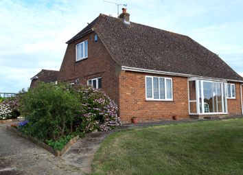 Heath Road, West Farleigh ME15. 2 bed bungalow