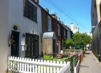 2 bed terraced house to rent in Frederick Gardens, Brighton BN1