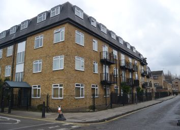 Thumbnail 2 bed flat to rent in Selby Street, Whitechapel
