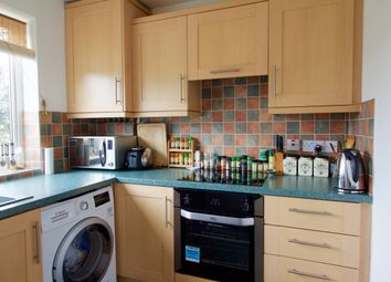 Thumbnail 3 bed flat for sale in Fayerfield, Potters Bar