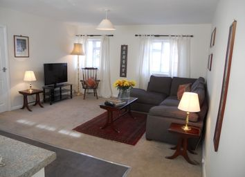 Thumbnail 1 bed flat to rent in Court Drive, Maidenhead