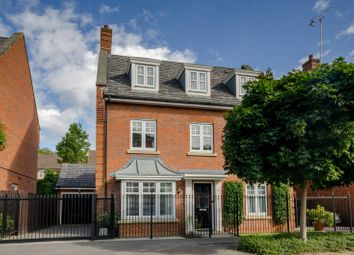 Thumbnail 5 bed property for sale in Tavistock Avenue, Mill Hill East