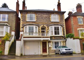 Thumbnail Studio to rent in Sydenham Road, Guildford