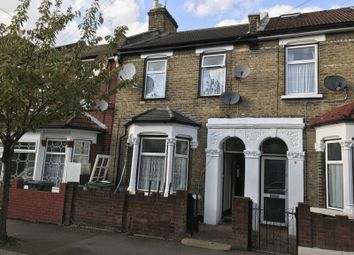 Thumbnail 3 bed property to rent in Leamington Avenue, London