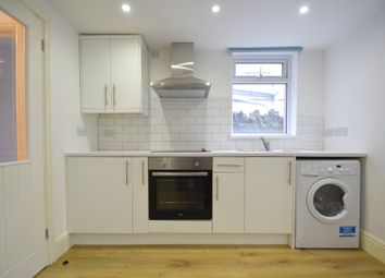Thumbnail 1 bed flat to rent in Splott Road, Cardiff