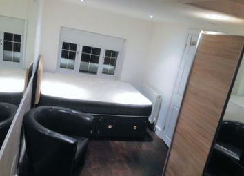 Thumbnail Room to rent in Falmouth Gardens, Ilford