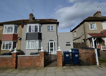 Thumbnail Studio to rent in Oakleigh Crescent, Whetstone, London