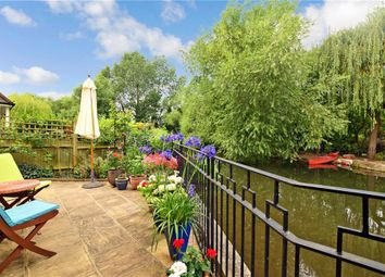 3 bed town house for sale in The Street, Horton Kirby, Kent DA4