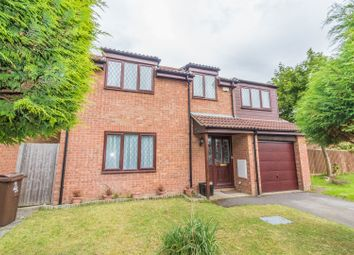 Thumbnail 6 bed detached house for sale in Hengrave Close, Reading