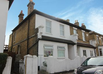 Thumbnail 3 bedroom flat to rent in Queens Road, Southend-On-Sea