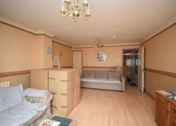 3 bed semi-detached house to rent in Wenlock Gardens, Hendon, London NW4