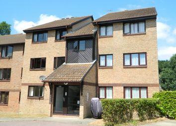 2 bed flat to rent in Wallis Way, Horsham RH13