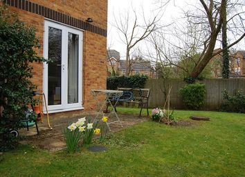 Thumbnail 1 bed flat to rent in Talbot Road, Rickmansworth