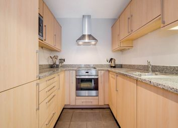 3 bed flat to rent in Western Gateway, Royal Victoria Docks E16