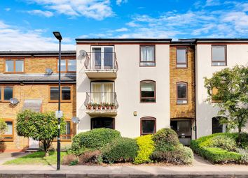 Thumbnail Flat for sale in Lofting Road, London