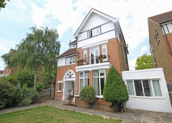 Thumbnail 1 bed flat to rent in Wellington Road, Hampton Hill, Hampton