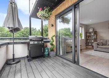 Arlington Lodge, 3 Whyteleafe Hill, Whyteleafe, Surrey CR3. 2 bed flat