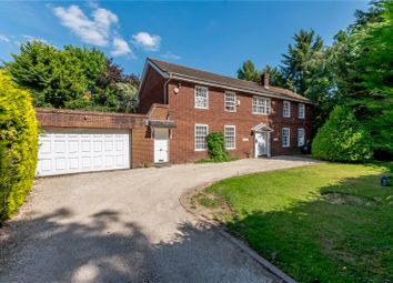 Parrotts Close, Croxley Green, Rickmansworth, Hertfordshire WD3. 5 bed detached house