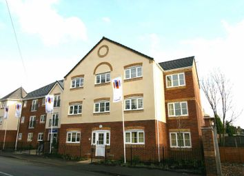 Thumbnail 2 bedroom flat to rent in Hall Street, Darlaston, Wednesbury