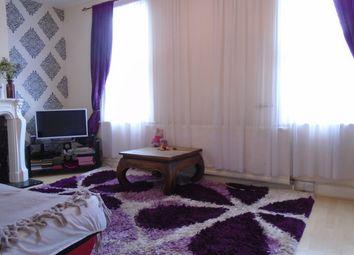 2 bed maisonette to rent in Rosebery Avenue, Tottenham N17
