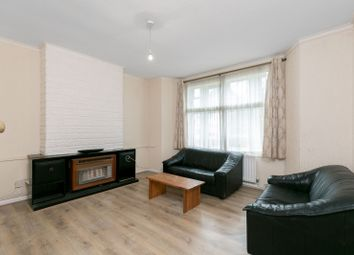 Thumbnail 1 bed flat to rent in Fairfield Drive, Wandsworth