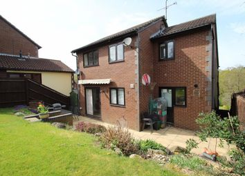 Thumbnail 4 bedroom detached house for sale in Barn Owl Way, Burghfield Common