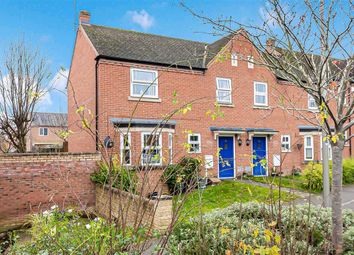 Holsey Lane, Bletchley, Milton Keynes, Bucks MK2. 3 bed end terrace house for sale