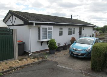 2 bed mobile/park home for sale in Brookfield Park, Totternhoe, Dunstable, Bedfordshire LU6