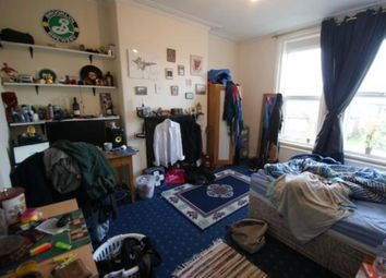 Thumbnail 6 bedroom terraced house to rent in Brudenell Road, Hyde Park, Leeds
