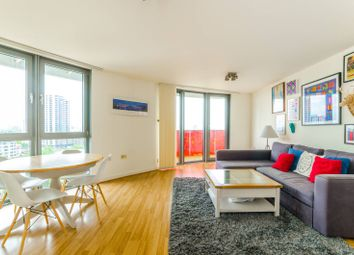 2 bed flat to rent in Warton Road, Stratford, London E15