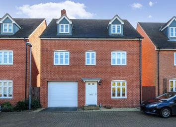 5 bed detached house to rent in Tortoiseshell Road, Aylesbury HP19