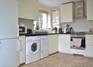 Thumbnail 2 bedroom flat to rent in Woodside, London