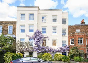 Thumbnail 1 bed flat to rent in Kew Green, Kew, Richmond