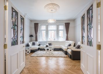 Thumbnail 3 bedroom flat to rent in Carlisle Place, London