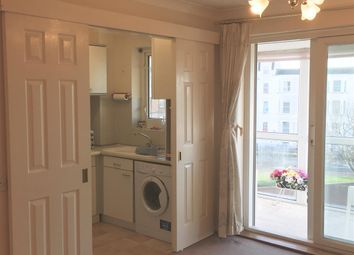 Thumbnail 2 bedroom flat to rent in Queens Parade, Cliftonville, Margate