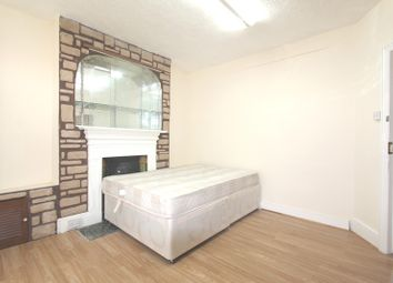 Thumbnail 3 bedroom flat to rent in Whitehorse Road, Croydon