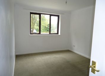 Thumbnail 2 bed flat to rent in Chapel Road, Smallfield