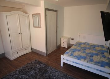 Thumbnail 1 bed flat to rent in Clinton Terrace, Derby Road, Nottingham
