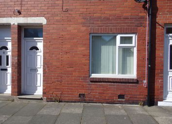 Thumbnail 1 bed flat to rent in Oxford Street, Blyth