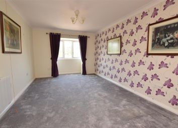 1 bed flat for sale in Cunningham Close, Chadwell Heath, Romford RM6