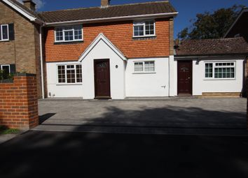 Thumbnail 4 bed terraced house to rent in Beechwood Avenue, Woodley, Reading